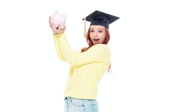 How to Help Your Child Make a College Budget